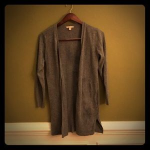 Like new- Cozy Casual Gray Cardigan Size M.